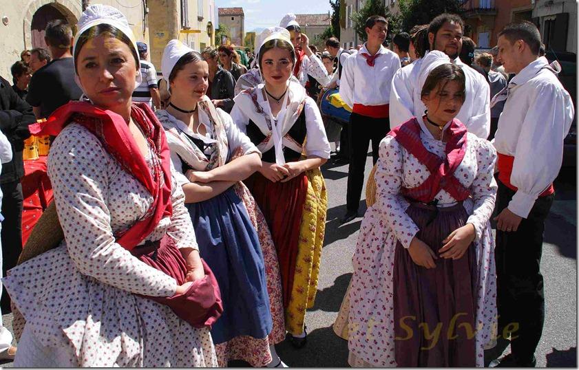 gd-Jonquières(84) 15ème Journée provençale 15.05.11a